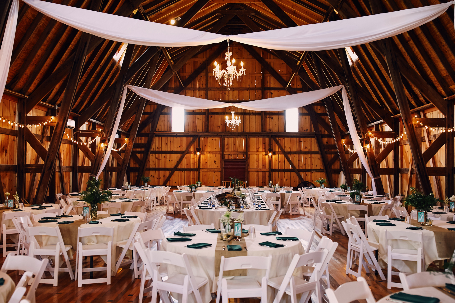 MN Barn Wedding Cordelia Haugen Photographer