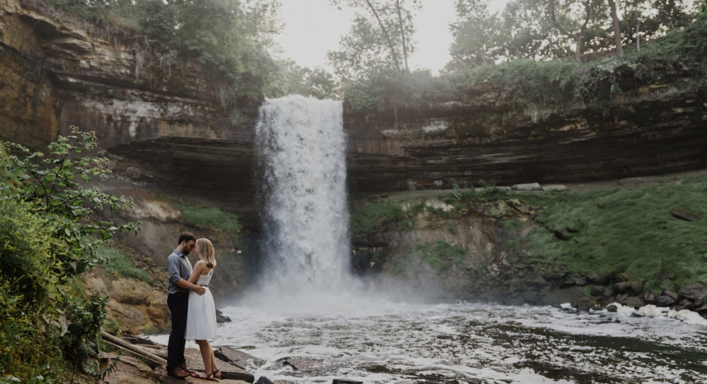 Cordelia Haugen Photographer minnehaha engagement session